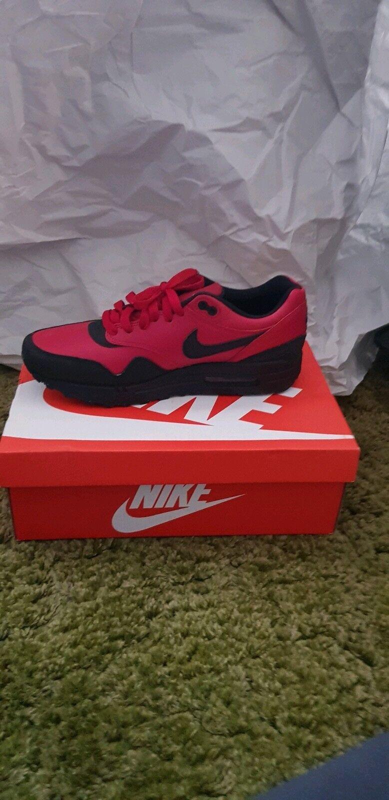 Nike Air Max et rouge et Max noir baskets. Taille Unisexe 82b9ac