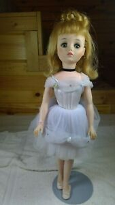 Madame-Alexander-ELISE-Ballerina-Redhead-Circa-1966-Tag-17-034