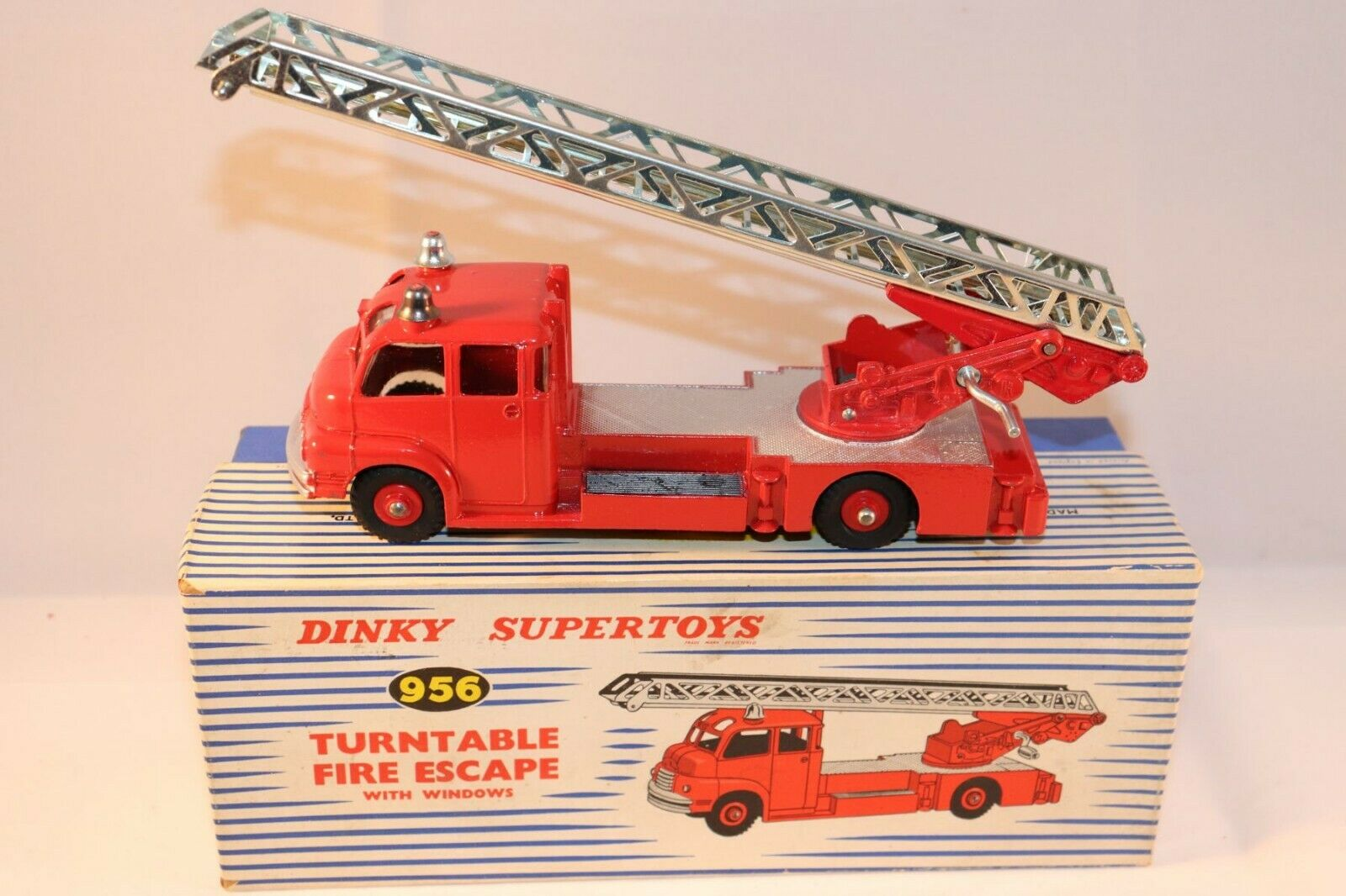 Dinky Toys 956 Turntable Fire Escape very near mint with plastic wheels rare