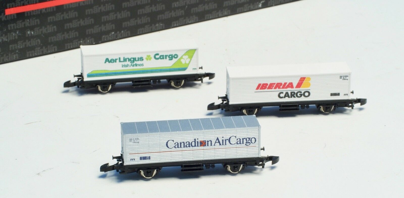 Marklin Z-scale International Airlines 3 car container set, very rare