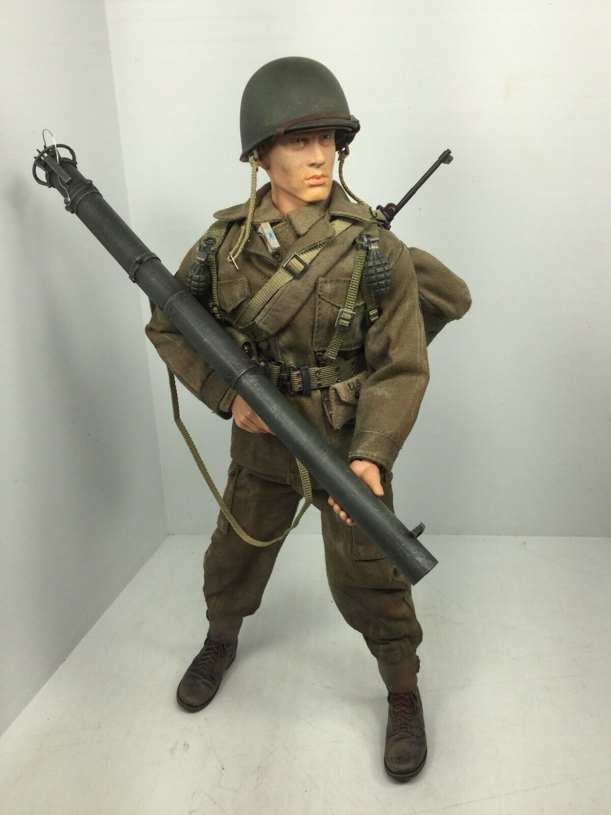 1 6 DRAGON US 101ST AIRBORNE PARATROOPER BAZOOKAMAN HOLLAND +CARBINE DID BBI WW2