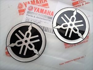 Yamaha-GENUINE-Roundal-Stickers-Decals-2-x-50mm-Silver-Chrome-Black-DOMED-GEL