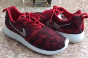 Euc Nike Roshe One Flight Weight Gs Sneakers Size 7y Unisex Shoes
