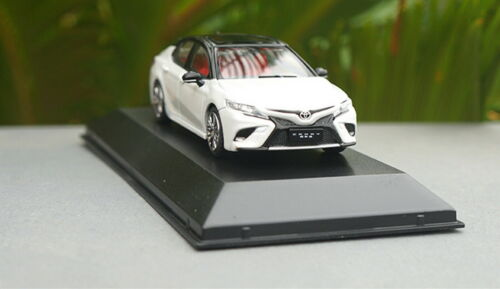 1//43 Toyota Camry Sport 2018 White Diecast model Collection