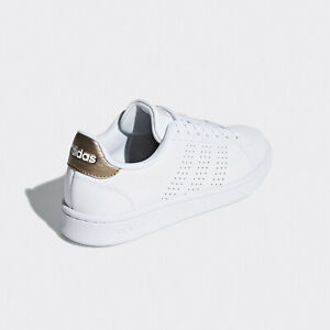 Women Casual Shoes White/Copper Metal