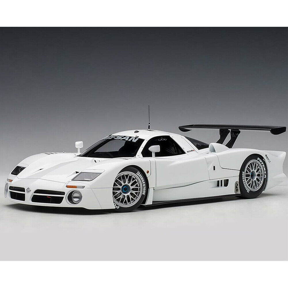 Autoart Nissan R390 GT1 Le Mans 1998 1 18 Diecast Model Car White 89877