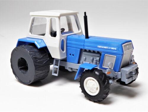 H0 BUSCH Traktor Fortschritt ZT 303 - C Eisenräder - das DDR Ackertier # 42840