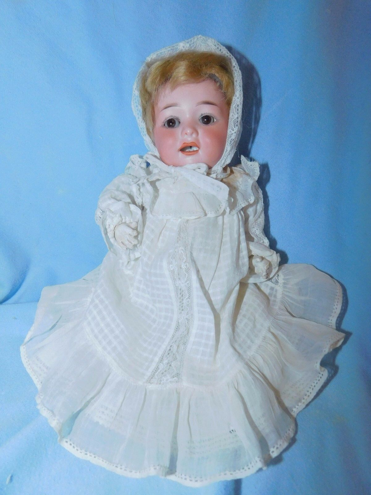 ANTIQUE ARMAND MARSEILLE Borgfeldt 327 baby doll bisque composition ant. clothes