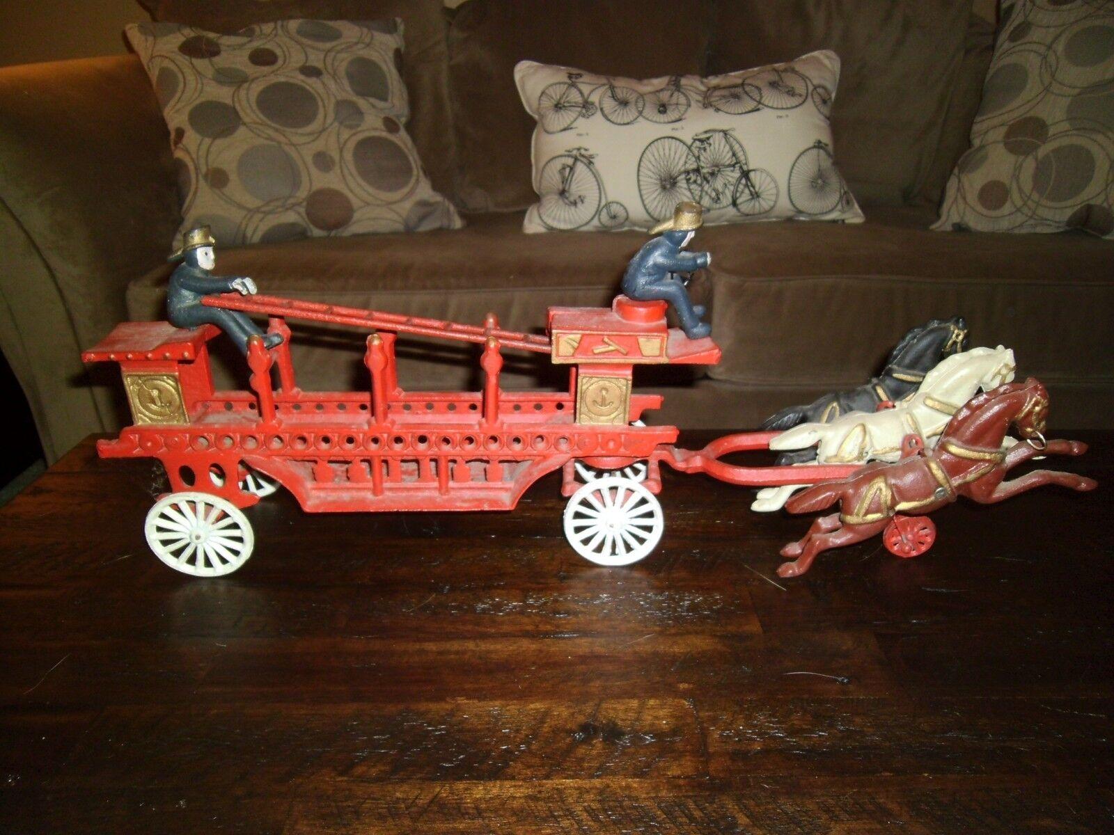 Hierro Fundido Vintage Grande 3 caballo Dibujado Bomberos Juguete Antiguo vagón Escalera
