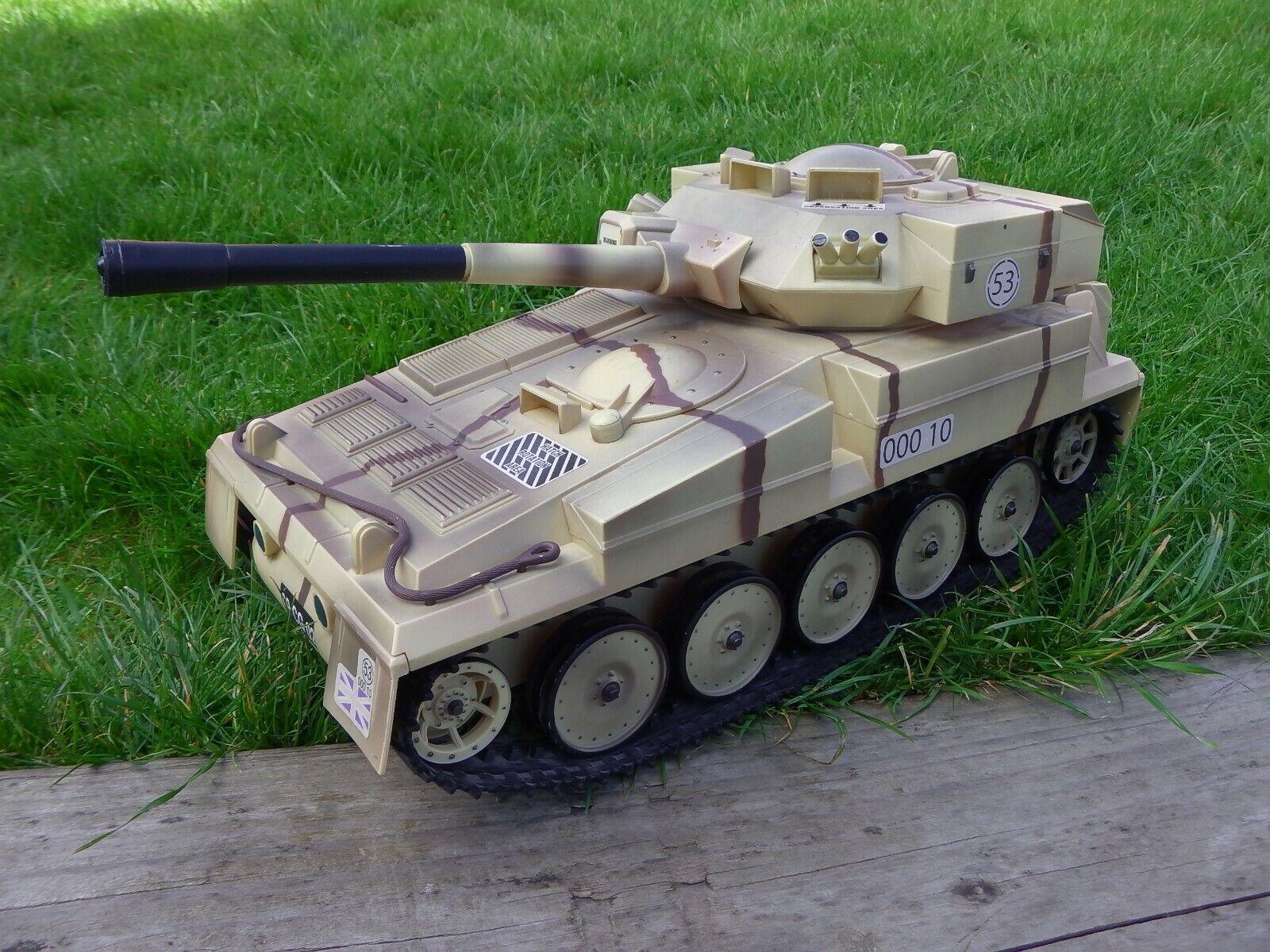 Vinatge 2008 HM Armed Forces Large Fast Pursuit Battle Tank Military Vehicle Toy