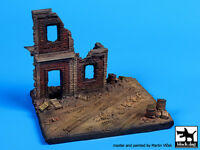 Black Dog 1:72 House Ruin (europe) (110x100 Mm) Diorama Resin Base D72009 on sale