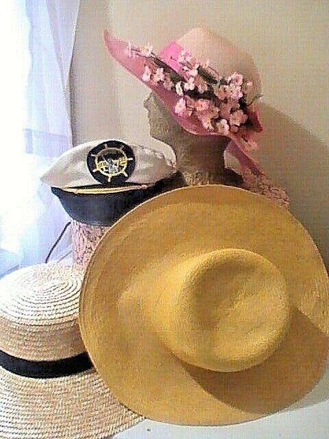 GORGEOUS SPRING SUMMER VINTAGE 6 HAT LOT& HAT BOX Straw, Canvas, Flowers Ribbon