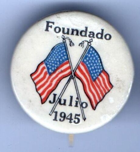 1945 PIN WWII Homefront pinback PEACE end of War 2 USA FLAGS en ESPANOL