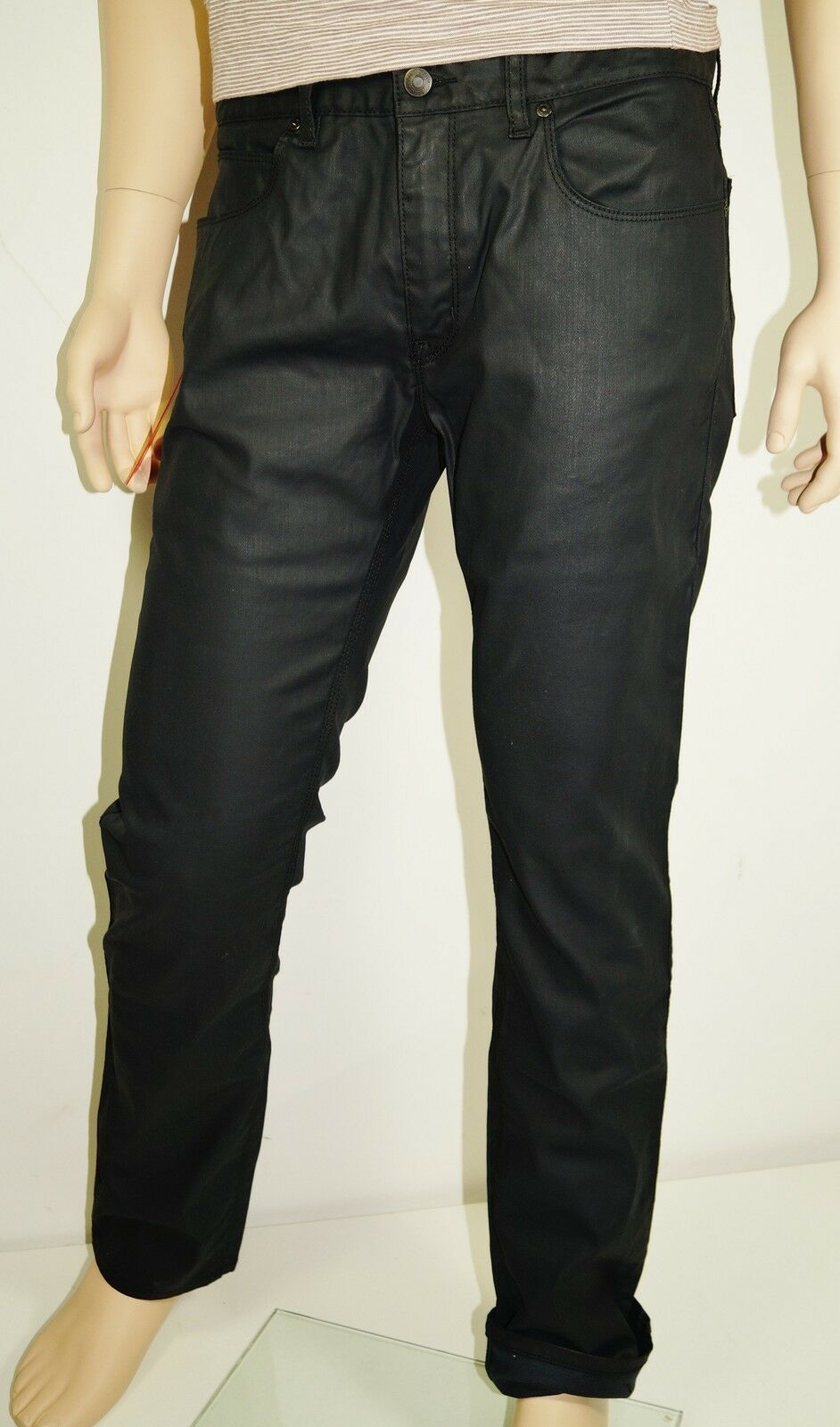 Neu - Hugo Boss - W36 L32  rot 708 Stretch - waxed Slim Fit Jeans schwarz  36 32