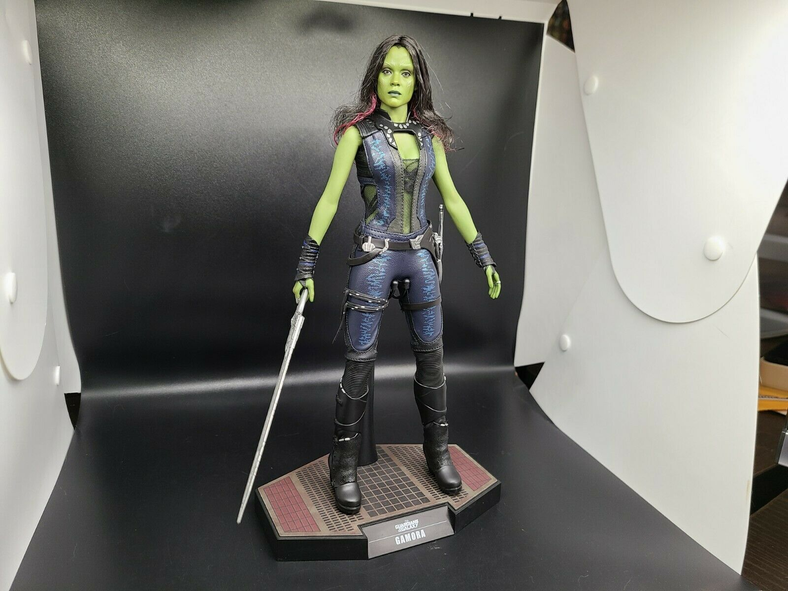Sideshow Hot Toys Guardians of the Galaxy Gamora 1/6 Scale Figure  on eBay thumbnail