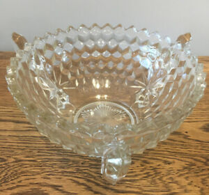 Vintage-Fruit-Trifle-Bowl-Cut-Glass-3-Handles-feet-Christmas-Table-21-5-Cm