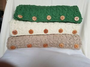 Aran-Woollen-Mills-Infinity-Scarf-with-buttons