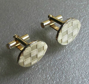 QUALITY-VINTAGE-CUFFLINKS-1960S-1970S-GOLDTONE-METAL-RETRO-MOD-CHECKED-DESIGN