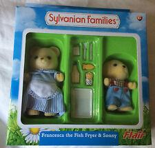 Sylvanian Families FRANCESCA THE FISH FRYER & SONNY FLAIR BNISB OSBORNE BEAR DOG