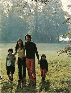 Document-vintage-issu-de-magazine-annee-70-80-promenade-en-famille