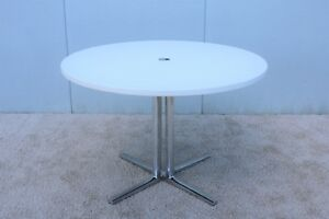 Herman Miller Modern Everywhere 42 Round White Dining Table Or Conference Table Ebay