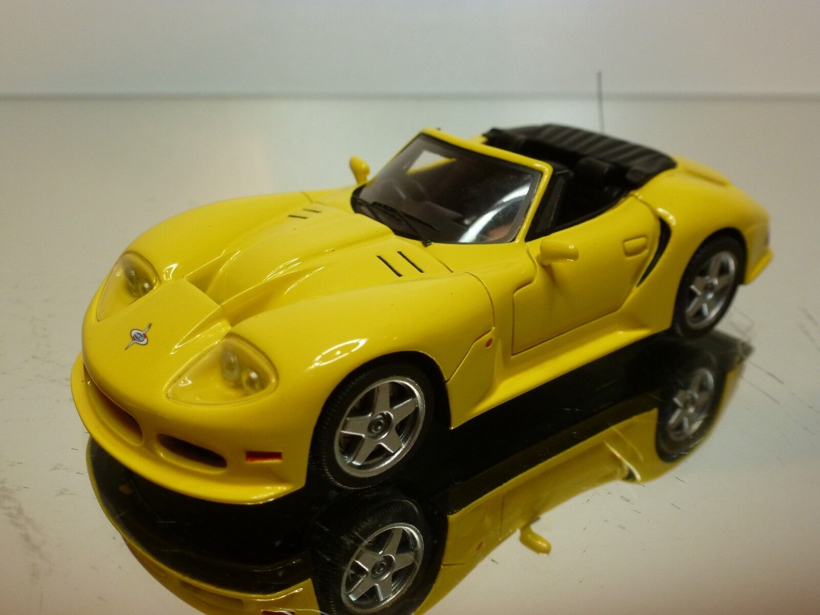 SPARK 50787 MARCOS LM 500 CONgreenIBLE 1996 - YELLOW 1 43 - EXCELLENT - 24