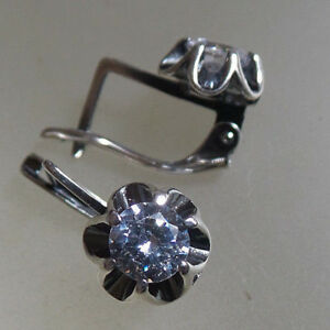 Tipico-de-cristal-claro-Gancho-de-Pendientes-de-plata-de-Rusia-ley-925