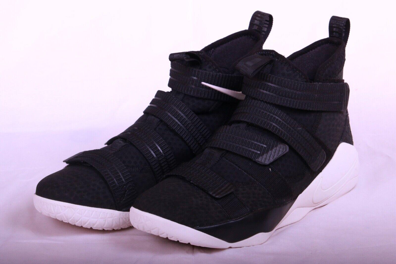 Nike Men Lebron Soldier XI  SFG nero Sail Basketball scarpe 897646 004 Sz 10.5 -12  tutto in alta qualità e prezzo basso