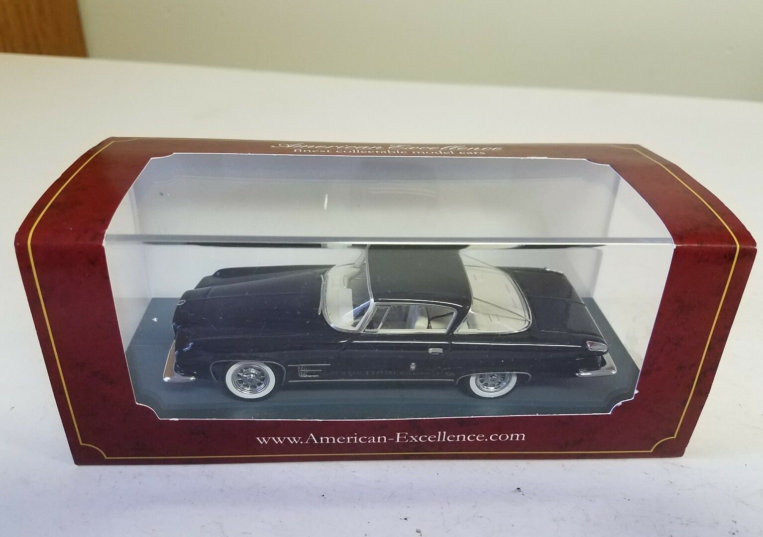 en stock Neo American excelencia Chrysler Dual Ghia Ghia Ghia L6.4 - 1 43  mejor marca