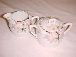 NIPPON-Hand-painted-Cream-and-Sugar-Bowl-GOLD-TRIM-amp-FLOWERS-VINTAGE-VGC