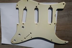1965-thru-1971-Fender-Stratocaster-Nitrate-Celluloid-White-cream-Pickguard-Relic