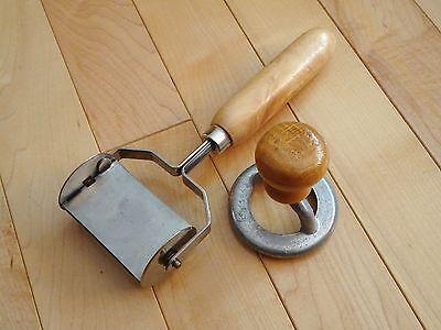 Ravioli Square Pasta Cutter Double Wheel & Round Ravioli Wood Handle Vintage