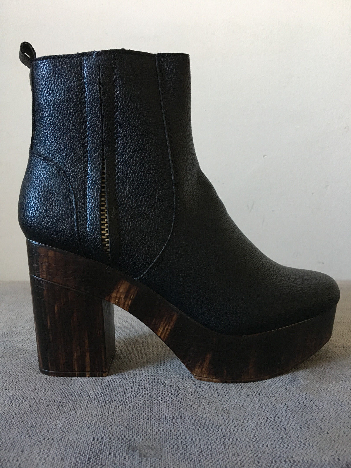 *** Wooden Block Platform Zip up Ankle Boot Black Low Prices BNIB ***