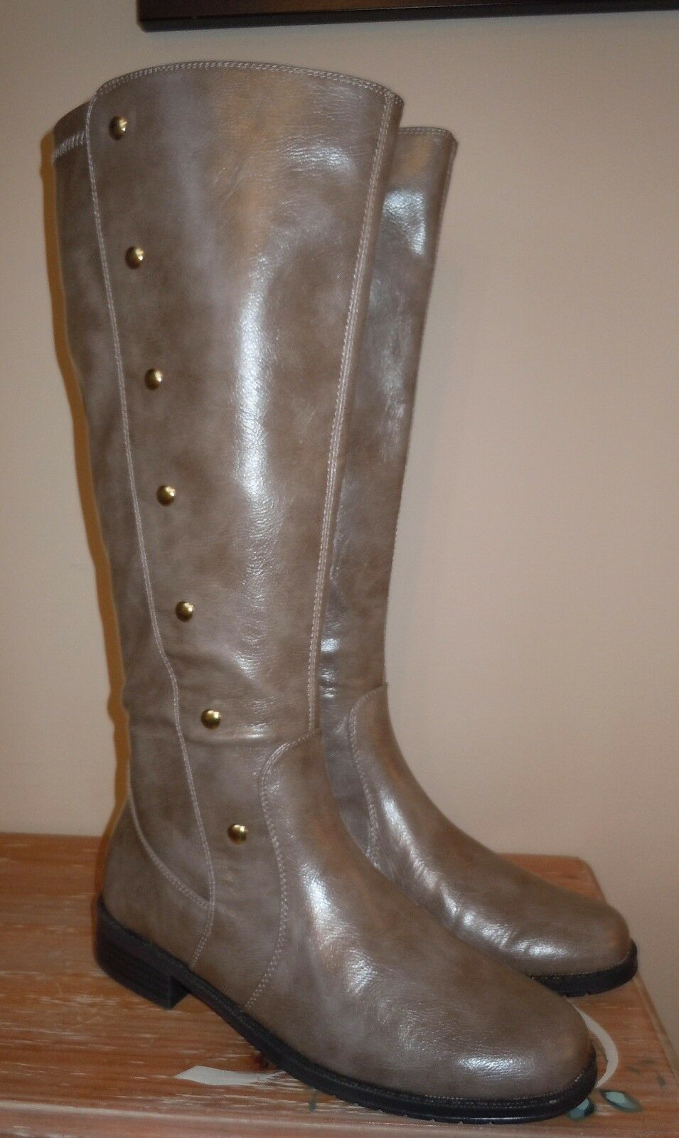 L@@K! NEW WOMENS AEROSOLES *SEXY* TAUPE RIDING BOOTS SHOES BRASS RIDE OVER 8.5 M