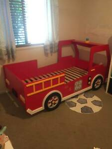 Kids red fire engine truck single bed