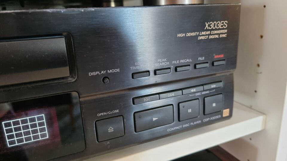 CD afspiller, Sony, X303ES