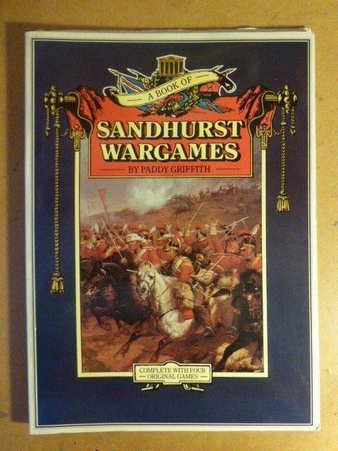 Un livre de Sandhurst Wargames non perforé & complète avec 4 jeux