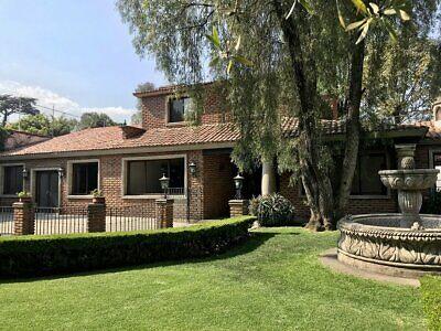 Residencia en Condominio, solo 3 casas, Jardines del Pedregal.