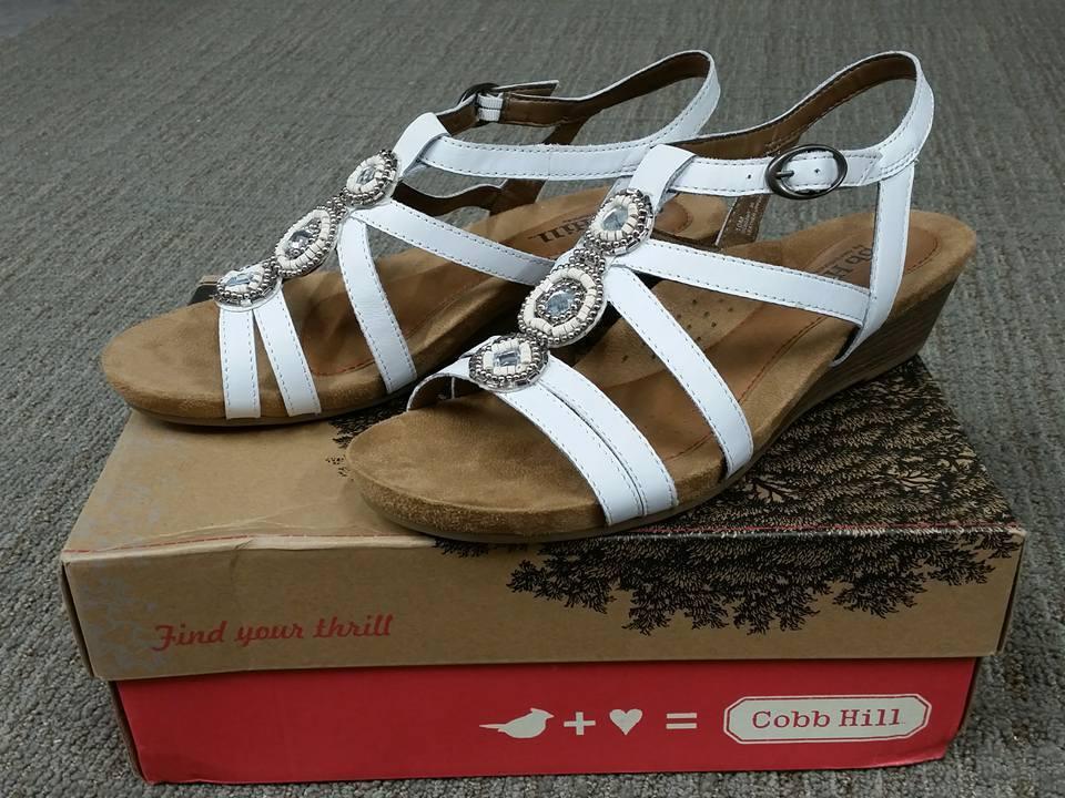 NIB Cobb Hill CCK02WT Hannah Hannah Hannah Weiß Wedge Weiß Dress Sandale Größe 10 8645c5