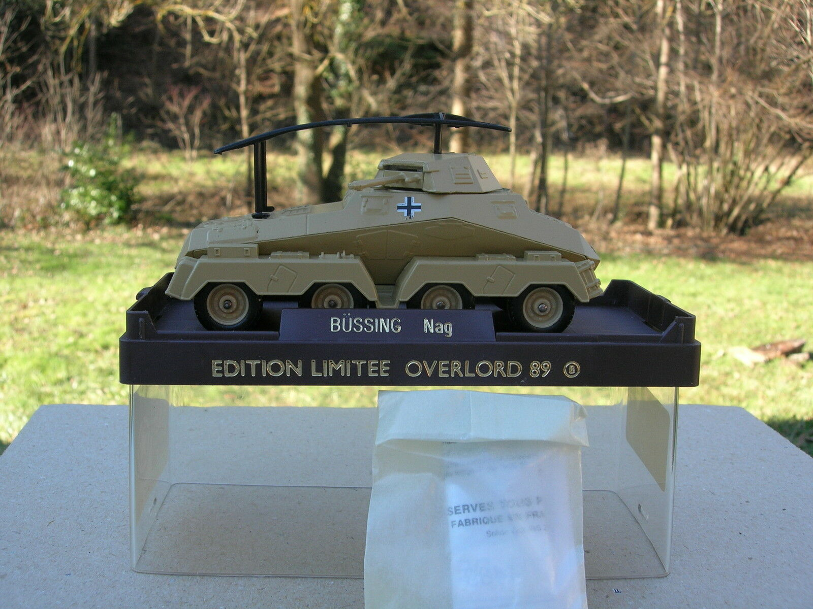 SOLIDO 1 50 RARE MILITAIRE,BUSSING 8X8 RADIO ALLEMAND serie limitée OVERLORD