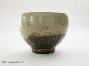 Antique-Japanese-Tea-Bowl-Ceremony-Chawan-Edo-Glazed-Raku-Pottery