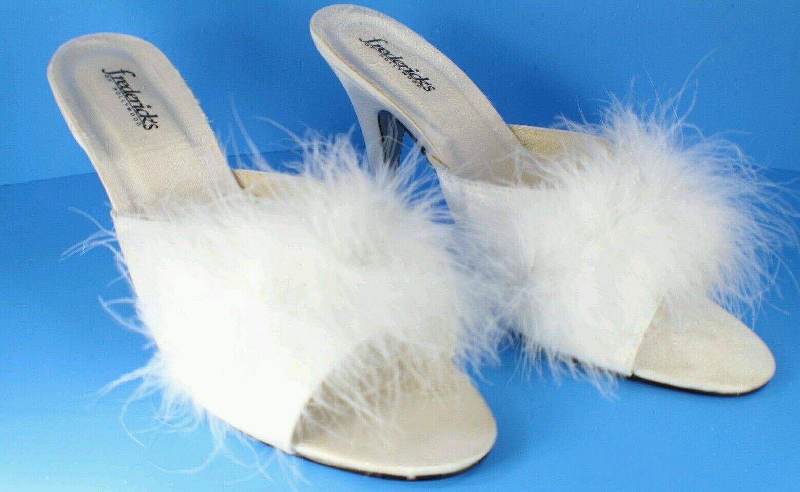 WHITE BEDROOM SLIPPERS FEATHER FREDERICKS  HEELS SZ 8 LINGERIE ACCESSORIES SEXY