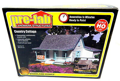 Woodland Scenics HO Scale Pre-Fab Landmark Structures Kit Country Cottage