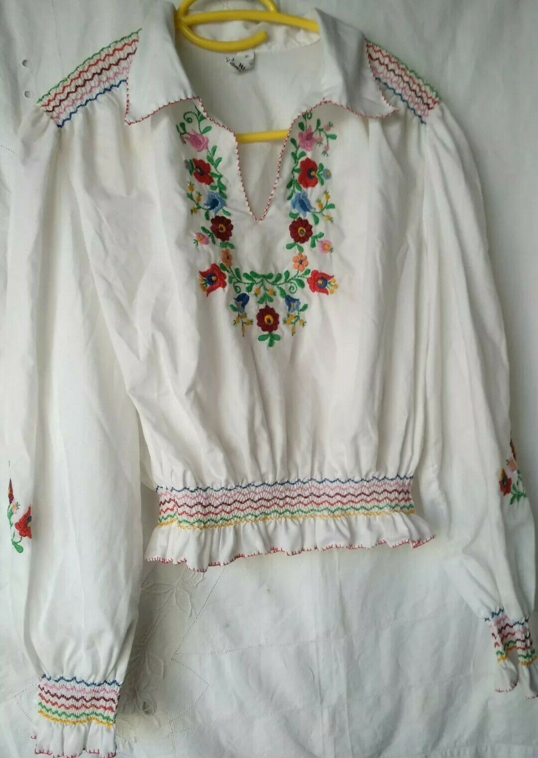 Vintage Ethnic Hungarian Hand Embroidered Floral … - image 2