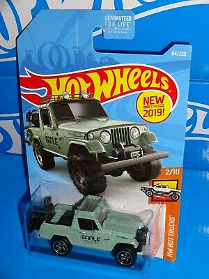 2019 Hot Wheels #84 HW Hot Trucks /'67 Jeepster Commando