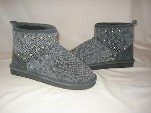 Victoria-Secret-PINK-Fur-Lined-Mukluk-Short-Ankle-Boots-Leather-Gray-Snakeskin