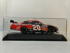 Motorsports-Authentics-20-Home-Depot-Toyota-Camry-1-24-Scale-Diescast-dc3025