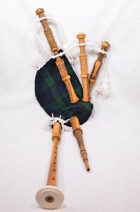 Clanullah-Junior-bagpipes-by-Gold-Brothers-of-Kirkaldy