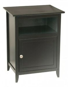 Winsome Wood Final Table Night Stand Con Puerta