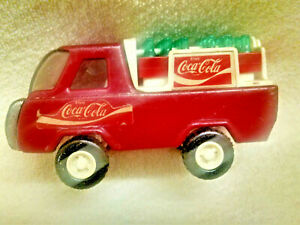 Buddy-L-COCA-COLA-Metal-Delivery-Truck-with-2-cases-Coke-Bottles-VINTAGE